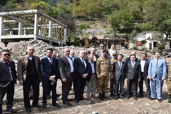 Diplomatic corps taken to LoC to ascertain India's false claims against Pakistan