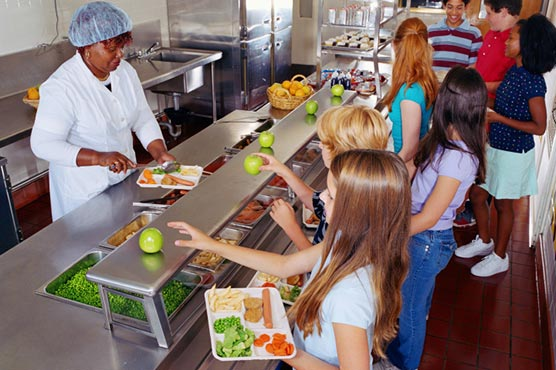 With more choices of vegetarian cafeteria meals, more are sold