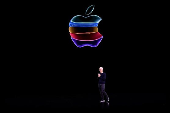 New iPhones woo users to Apple television and games