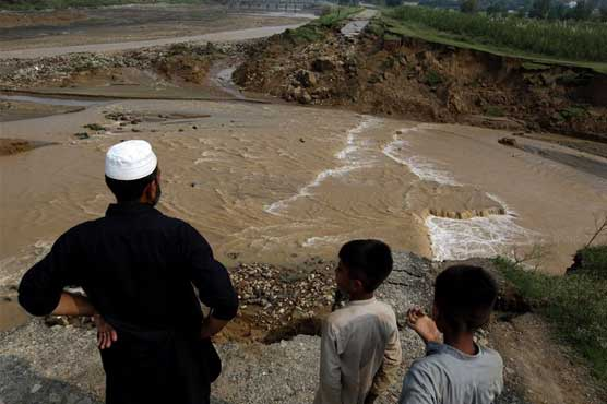 Relief teams yet to reach many earthquake-affected areas in Azad Kashmir
