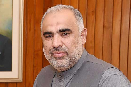 Asad Qaiser pays tributes to doctors, paramedics for dauntlessly fighting the corona pandemic