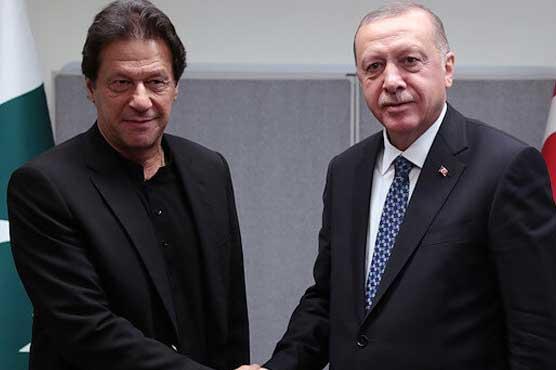 President Erdogan extends Eid-ul-Azha greetings to PM Imran Khan