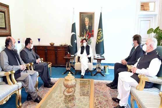 All four provincial chief ministers call on prime minister