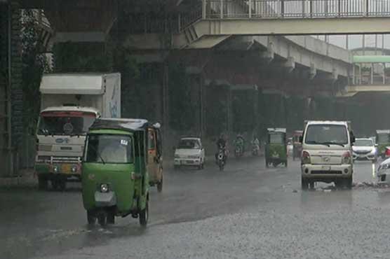 Rain turns weather pleasant in Lahore, Karachi
