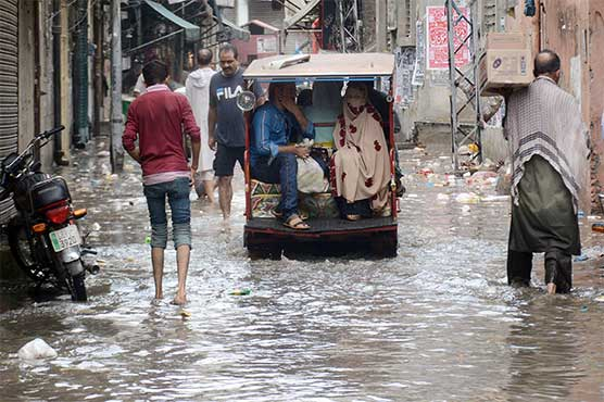 Heavy monsoon rain inundates Lahore, other parts of country