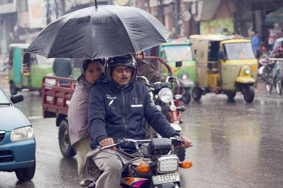 Intermittent rain to persist in Lahore till Wednesday