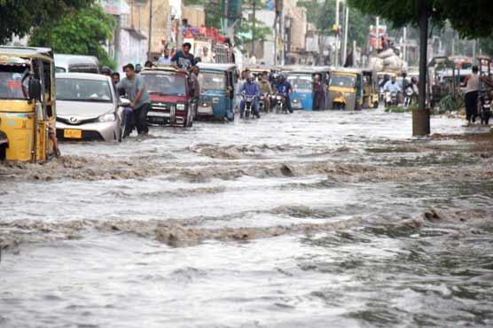 Heavy rains wreak havoc in Karachi
