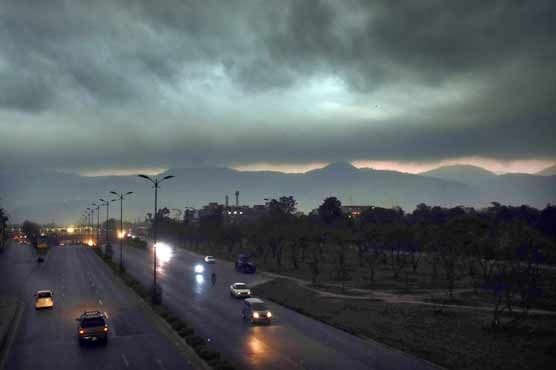 Rain turns weather pleasant in Lahore, other cities
