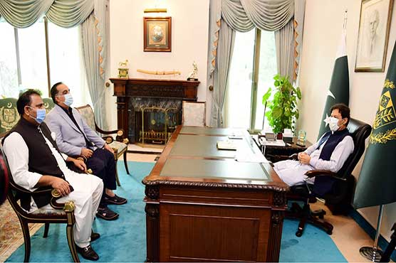 Govt not to leave people of Karachi alone in difficult situation: PM