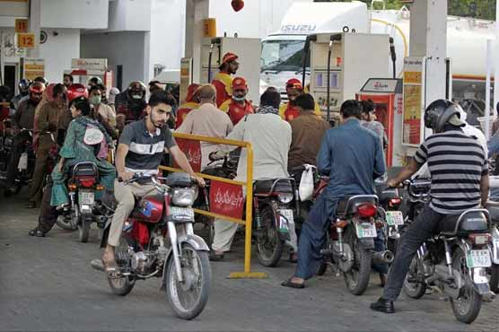 Petrol shortage persists in Lahore, people scramble to find fuel