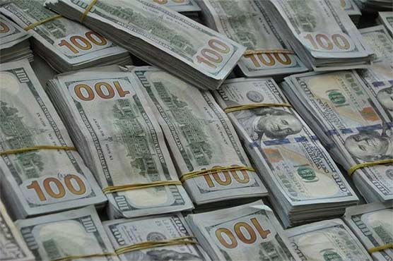 Dollar gains Rs1.12 in interbank market, PSX recovers