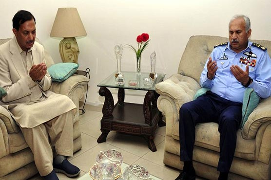 Air Chief visits residence of martyred Wing Commander Noman Akram