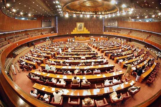 MPs ignore precautionary SOPs during special NA session