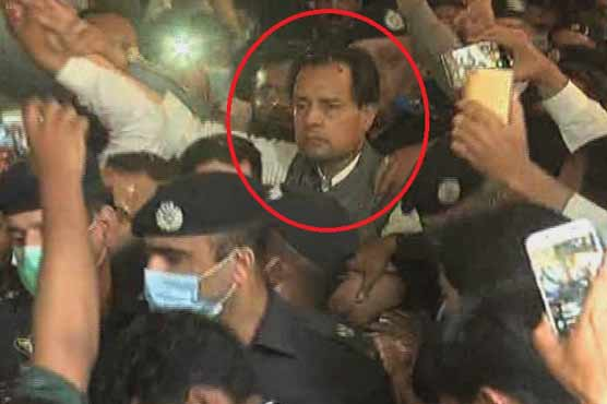 Nawaz Sharif's Son-in-Law Arrested in Karachi, Police 'Broke Hotel Room Door'