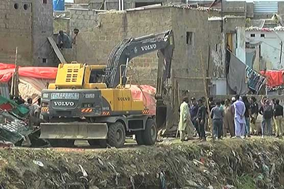 Anti-encroachment drive along nullahs in Karachi continues on second day