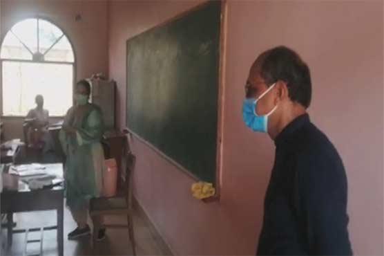 Saeed Ghani reviews enforcement of SOPs in Karachi schools