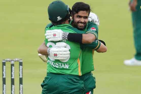 Babar century helps Pakistan beat South Africa off last ball