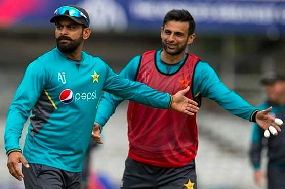 Shoaib prays for Hafeez to become player of match in his 100th T20I