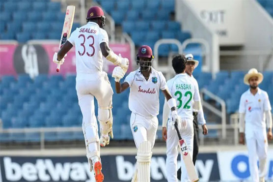 West Indies beat Pakistan by one wicket in first Test