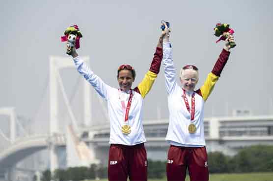 Paralympic triathlete who helped Spain fight Covid wins gold