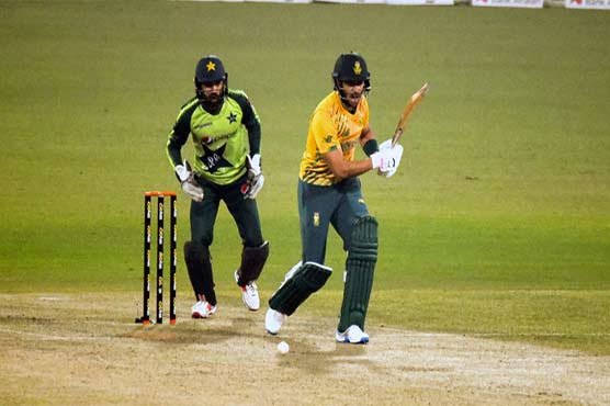 Pakistan to face South Africa in third T20 today