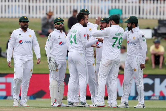 Pakistan strike twice before lunch to peg back New Zealand