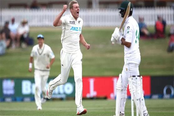 Jamieson strikes again as pressure mounts on Pakistan