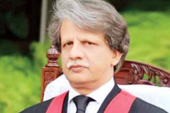 Govt appoints Justice (r) Azmat Saeed as head of Broadsheet inquiry committee