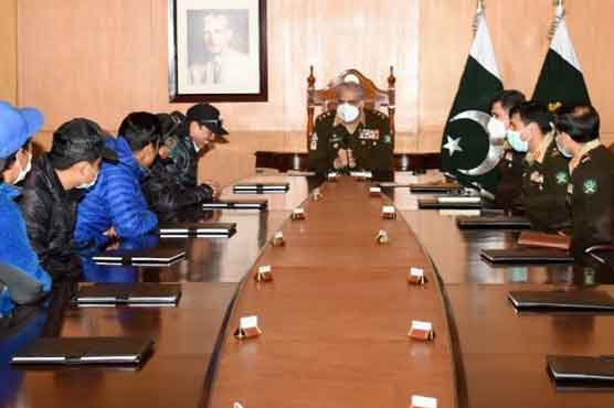 COAS felicitates int'l mountaineers scaling K-2 in winter