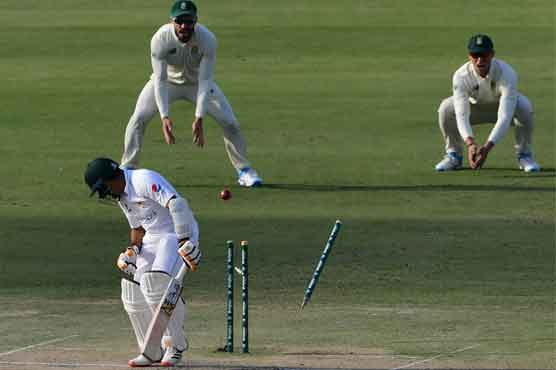 Pakistan in trouble as Rabada leads South Africa fightback