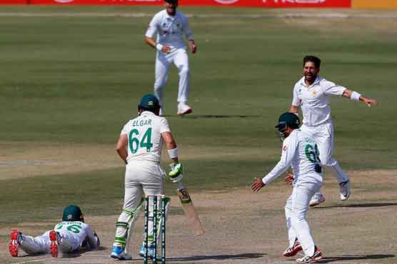 Yasir strikes late to put Pakistan in charge against South Africa