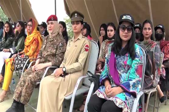 Students of various universities spend day with Army at Lahore Garrison