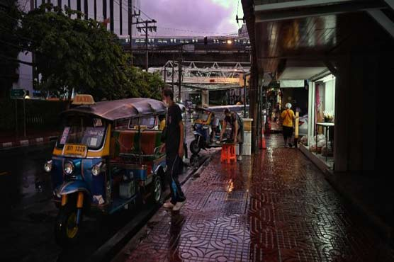 Thailand sees tougher Covid-19 curbs bite, including Bangkok curfew