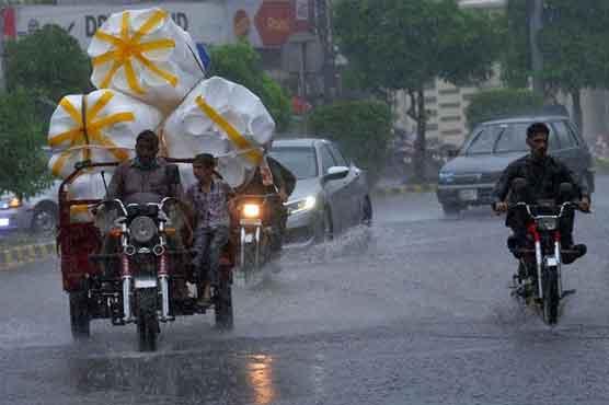 ملک کے بالائی اور وسطی علاقوں میں شدید بارشوں کا امکان