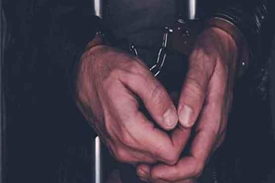 سرائے عالمگیر میں اے ٹی ایم پر خفیہ آلات لگا کر کارڈ ہیک کرنے والا 2 رکنی گینگ گرفتار