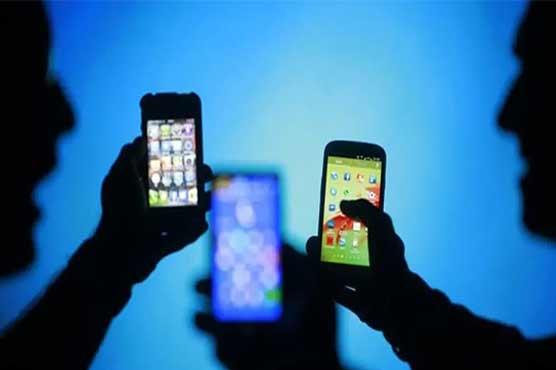 حکومت کا فون کالز، ایس ایم ایس اور انٹرنیٹ پر ٹیکس نہ لگانے کا اعلان