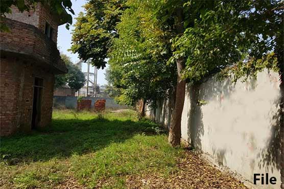 فیصل آباد: بااثر افراد نے عوامی پارک میں پختہ مکان بنا کر قبضہ جما لیا