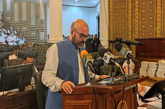 KP Finance Minister presents tax-free, relief-oriented Rs1.1 trillion budget for FY2021-22