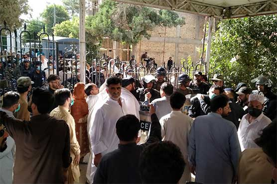Balochistan assembly turns into 'battlefield' as opposition workers clash with police