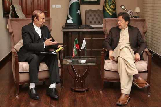 PM discusses budget session, e-voting with Babar Awan