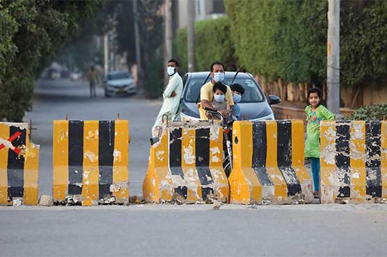Micro-smart lockdown imposed in three more areas of Karachi's Central District