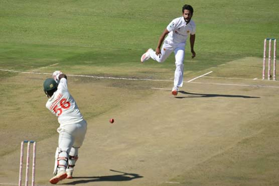 Pakistan enforce follow-on after bowling out Zimbabwe for 132