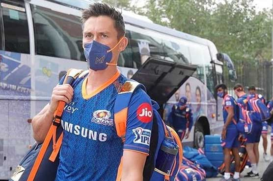 New Zealand's Boult, Neesham arrive in Auckland after IPL's suspension