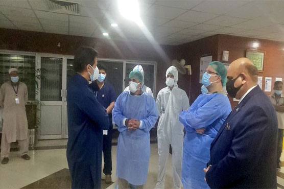 PM visits PIMS, enquires about covid treatment facilities, cases