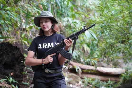 میانمار: جمہوری جدوجہد میں شامل ہوں، سابقہ ملکہ حسن نے فوج کیخلاف ہتھیار اٹھا لیے