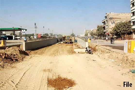 کراچی: سندھ حکومت کا اورنج لائن بس منصوبہ تاحال تکمیل سے کوسوں دور