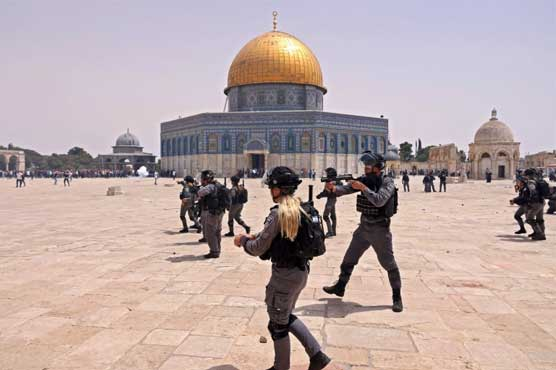 Israeli army violates ceasefire agreement, shells worshippers at Al-Aqsa mosque