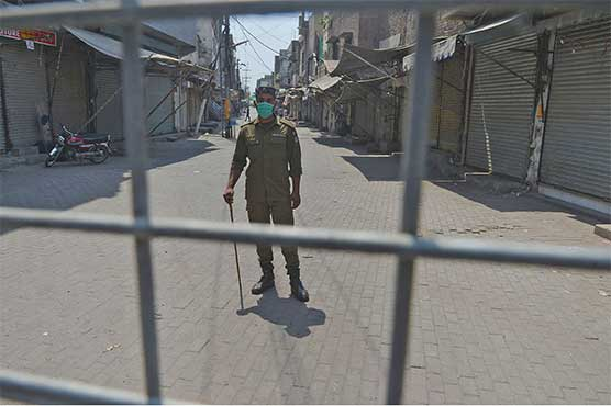 Businesses, markets closed as Lahore goes into two-day lockdown