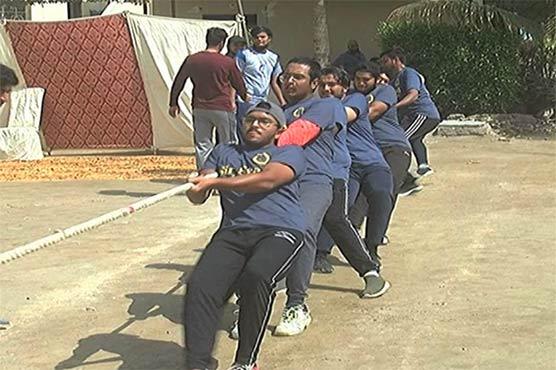 کراچی انٹر کالجیٹ رسہ کشی کے شاندار مقابلے، لڑکوں کے ساتھ ساتھ لڑکیوں نے بھی مہارت دکھائی