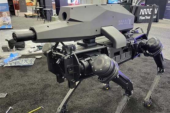 امریکہ میں روبوٹ کتے اب جدید اسلحہ چلانے لگے